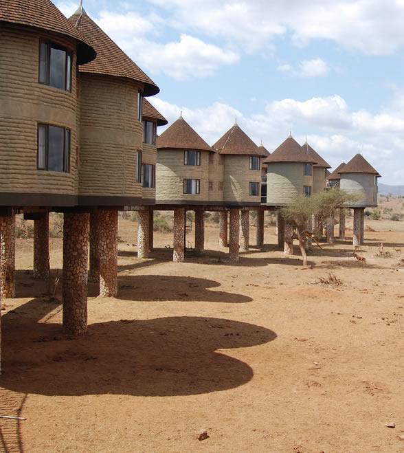 2_days_kenya_safari-tsavo-east-saltlick